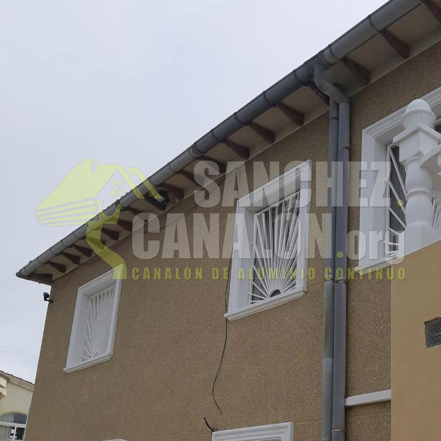 instalacion de canalon continuo de aluminio de canalones sanchez 18