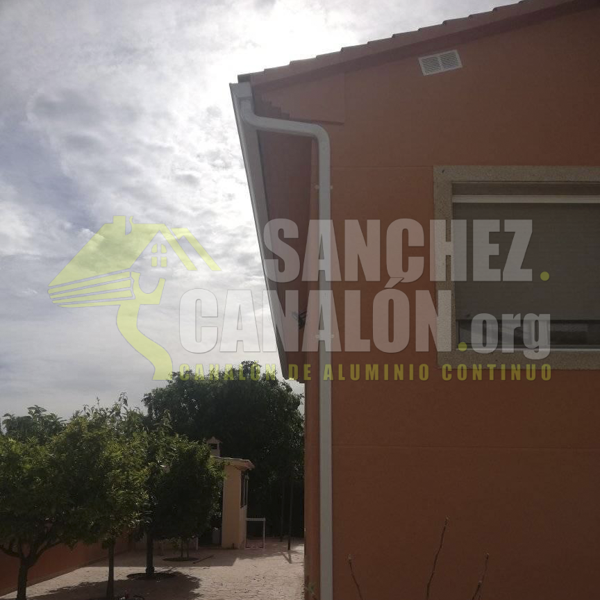 instalacion de canalon continuo de aluminio de canalones sanchez 29