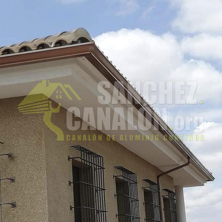 instalacion de canalon continuo de aluminio de canalones sanchez 42